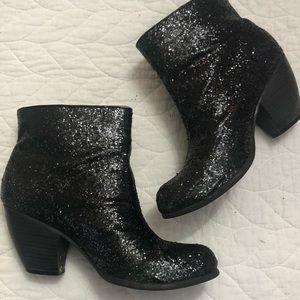 Black sparkle bootie